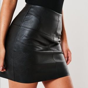 🌸2/$20 NWT Missguided Faux Black Leather Mini 0
